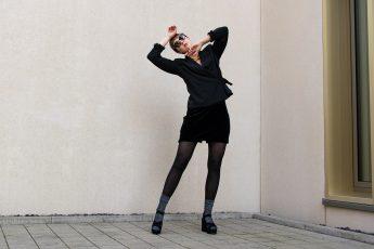 sustylery-fashion-7-basics-die-in-jede-garderobe-gehoeren